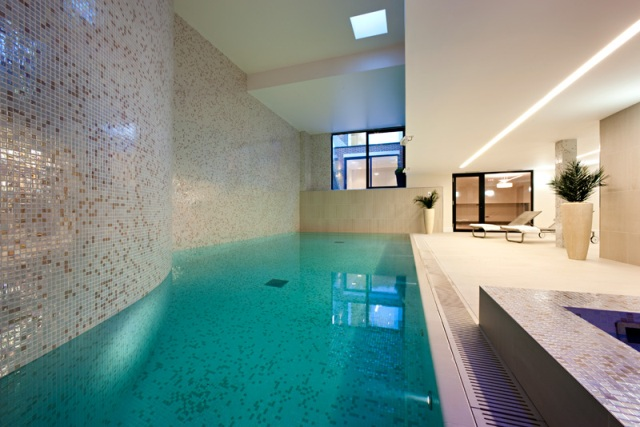 Residential swimming pool spa for Build indoor pool